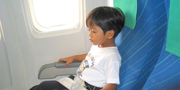 voyage-enfant-avion-bus-train