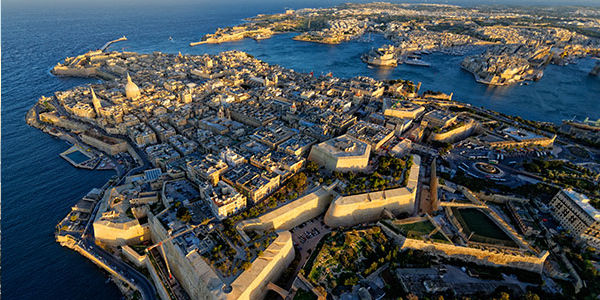 Aéroport international de Malte, Malte