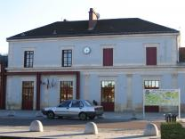 Gare sncf Montbard